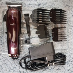 Tông đơ cắt tóc pin sạc không dây chính hãng Kemei KM-2600