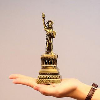 Mô hình tượng nữ thần tự do cao 18 cm Màu Vàng Rêu QUÀ GIÁNG SINH QUÀ LƯU NIỆM bởi ASAM - NTTD 18 CM thumbnail