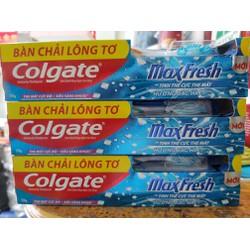 Kem đánh răng Colgate Maxfresh 230g tặng bàn chải lốc 3 cây