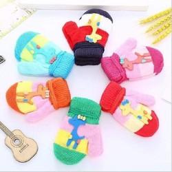 Găng tay len trẻ em