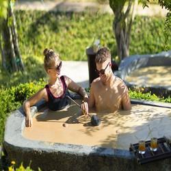 Tour Tắm Bùn Trên Đảo Hòn Tằm