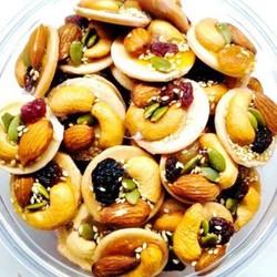 HỘP LỚN Bánh Đồng Tiền Mix Hạt Và Trái Cây