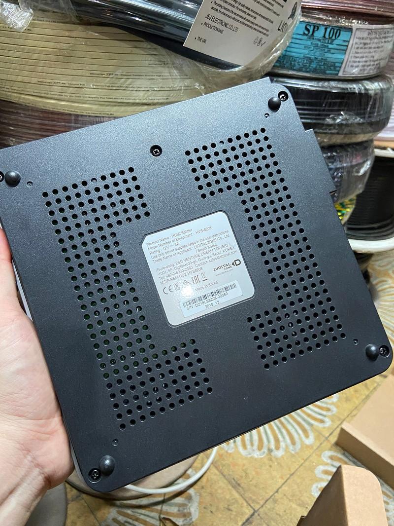 Bộ Chia HDMI 2 Input - 8 Output UHD 4K - Bộ Chia HDMI 2 Input - 8 Output UHD 4K 8