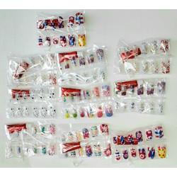 Sét 10 bộ có 100 chiếc móng tay giả in hình bằng nhựa có kèm 10 chai keo dán rất đẹp