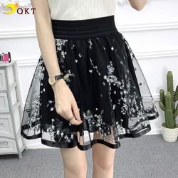 Chân váy nữ xòe ren họa tiết hoa trắng QKT cv05