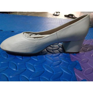 Xả lỗ giày AUTH100% order nhầm size cho khách - 39 auth thumbnail