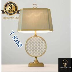Đèn ngủ để bàn thân gỗ điêu khắc trang trí nội thất phòng ngủ dùng đọc sách sang trọng tinh tế mã 8368- Đèn Phương Anh