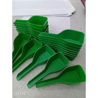 thìa múc thức ăn cho chim bằng nhựa 0x0x0cm - thìa nhựa thumbnail
