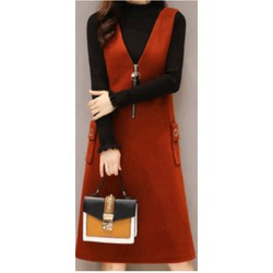 Váy yếm màu đỏ