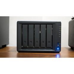 Thiết bị lưu trữ mạng NAS Synology DS1520+ - Hàng chính hãng