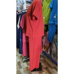 Đồ bộ chất liệu vải đũi , lịch lãm , phong cách sang trọng , rất thích hợp cho quý chị em thích phong cách sang trọng ngưng nhẹ nhàng