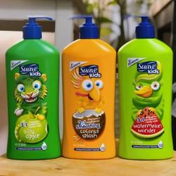 Sữa tắm Suave Kid 3 in 1 mỹ 532ml giúp cho làn da của bé luôn mềm mại với những mùi hương trái cây tự nhiên thơm mát