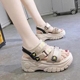 Giày Sandal Nữ Học Sinh Đế Cao, Dép Sandal Đế Bánh Mỳ Mang Đi Học, Đi Chơi - Giày Sandal Nữ Học Sinh Đế Cao thumbnail