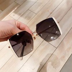 Mắt kính nữ thời trang 2021 – Kính râm nữ đẹp đi biển gọng kim loại màu trắng, xanh, đen_MS37