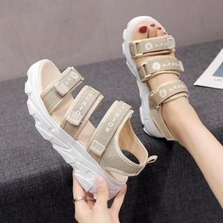 (Có 2 Màu) Sandal nữ độn đế 4cm - Dép quai hậu học sinh ulzzang 3 quai Bông Cúc cá tính - 3022830515 thumbnail