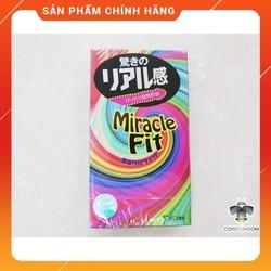 Bao cao su Sagami Mirace Fit siêu mỏng giúp mang đến cho bạn cảm giác thật như không sử dụng /áo mưa