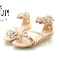 Giày sandal xinh xỏ ngón