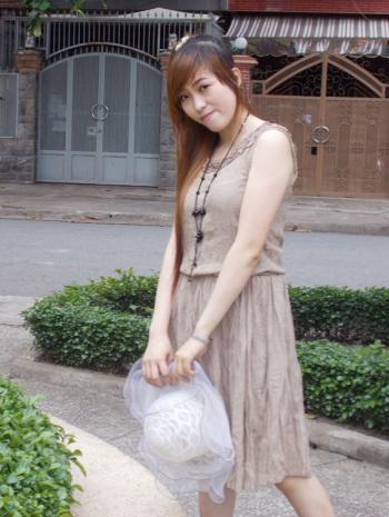 Hình ảnh Đầm Pleat Dài Qua Gối 1