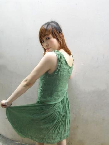 Hình ảnh Đầm Pleat Dài Qua Gối 4